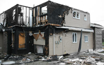 Is it safe to live in a house with smoke damage?